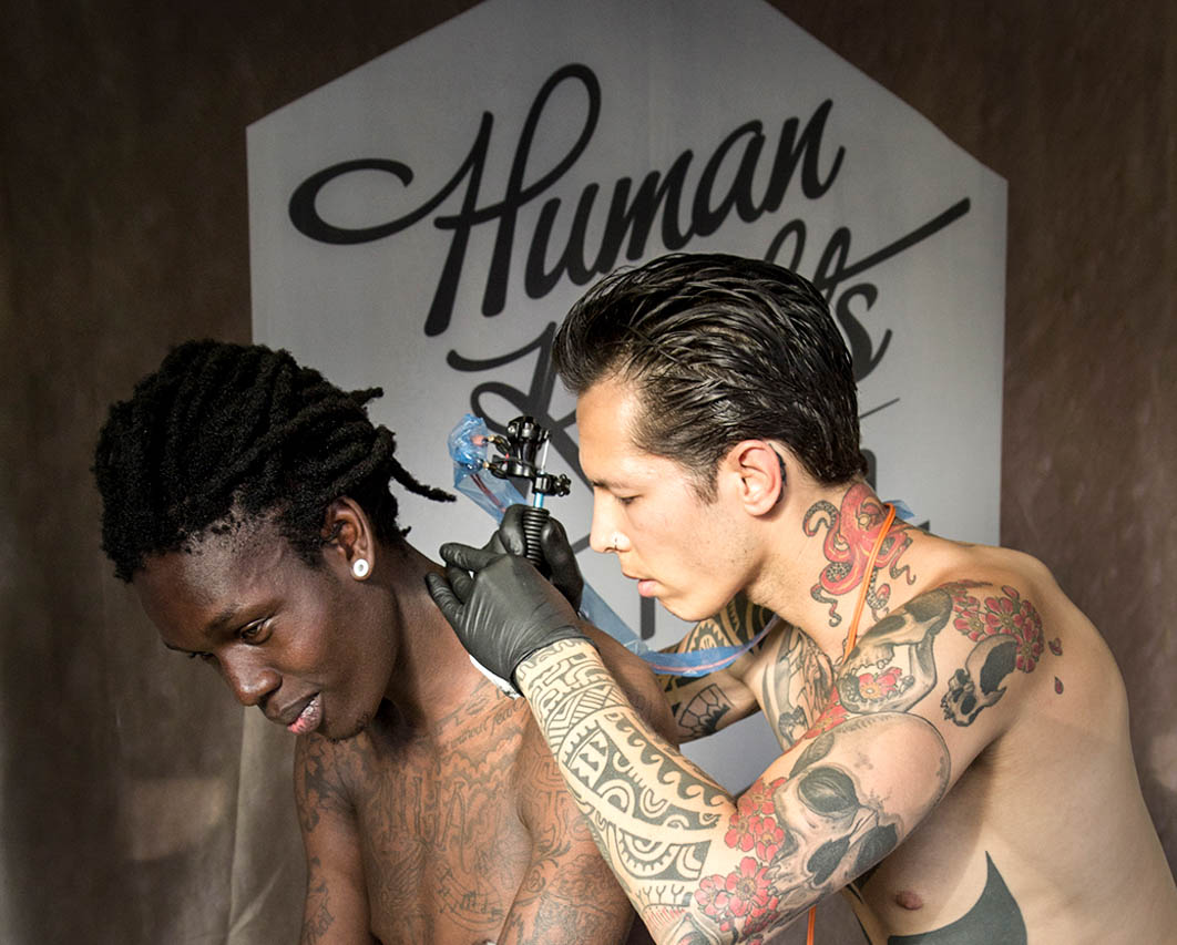 Human Rights Tattoo in actie